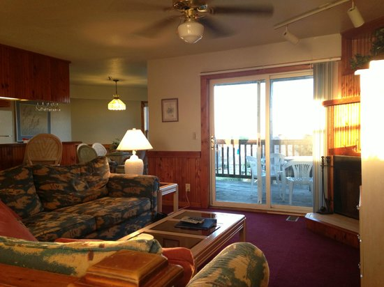 Barrier Island Station - Duck : Living room / deck