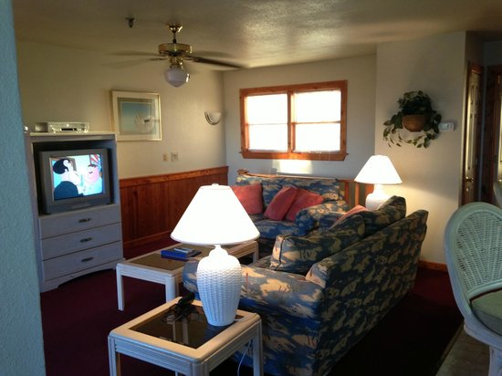 Barrier Island Station - Duck : Living room