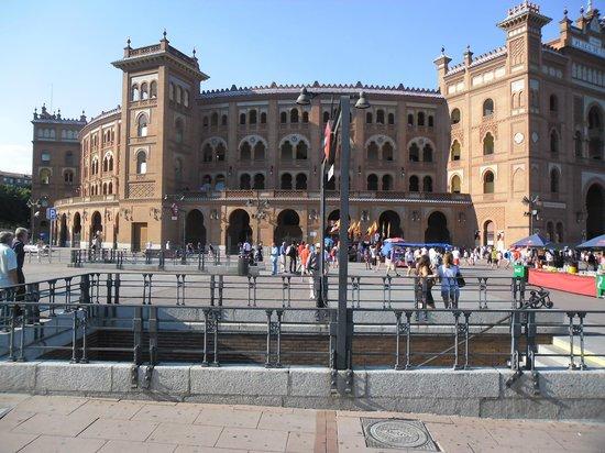 ibis Madrid Centro Las Ventas: Estação metro Las Ventas