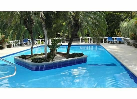 Villa del Sueno: Large pool