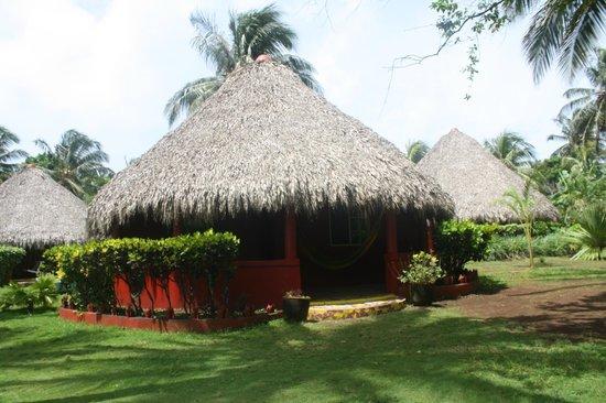 Paraiso Beach Hotel: cabanas