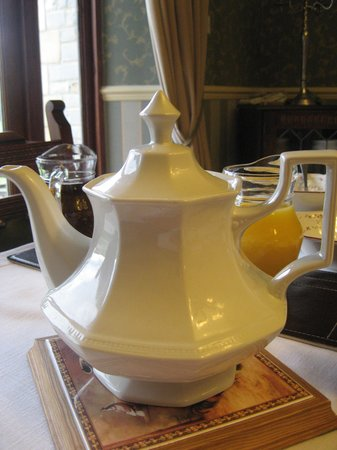 Cleers View Farm: Beautiful teapots