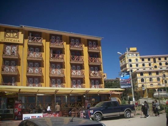Hotel Estelar del Titicaca: Frente al Hotel