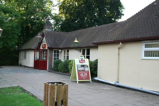 Toby Carvery: Front entrance