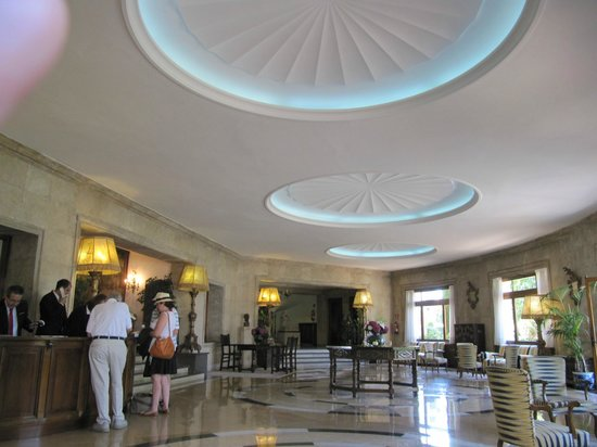 Hostal de La Gavina : Art Deco Lobby