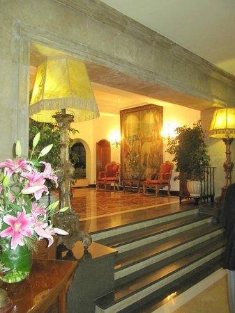 Hostal de La Gavina : Downstairs!