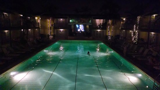 The Lafayette Hotel, Swim Club & Bungalows : Dive In Movie (showing Pete's Dragon that night)