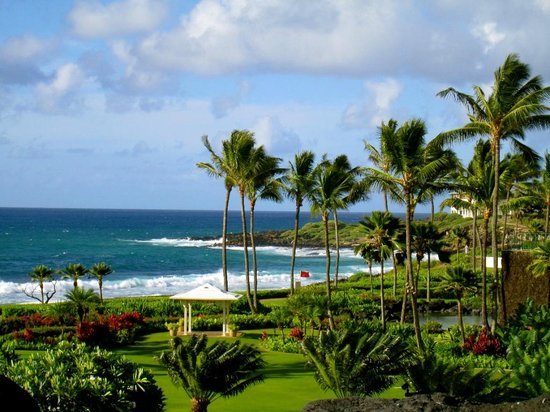 Grand Hyatt Kauai Resort & Spa: View from the breakfast/entertainment terrace.