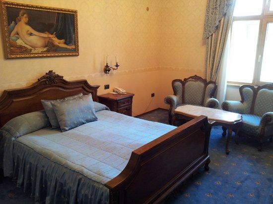 Grand Hotel London: Room