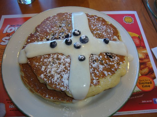 Cora's Breakfast and Luch: Amazing blueberry fields pancakes.