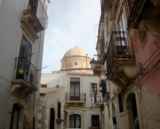 Ortigia lungomare foto di ortigia siracusa tripadvisor for Hotel siracusa centro storico