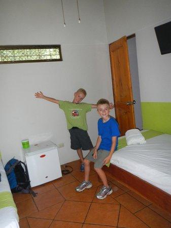 Hotel Mahayana: The boys room :)