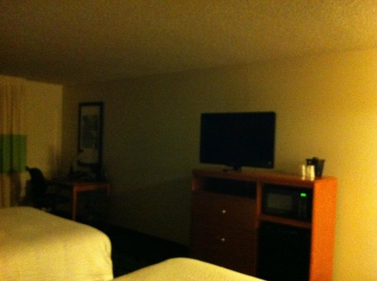 Fairfield Inn & Suites Denver Airport: Refrigerator, microwave