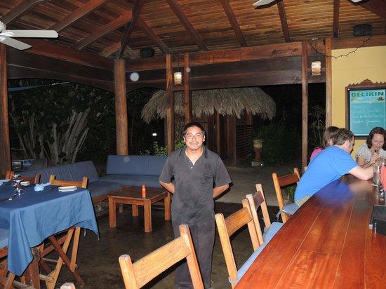 Maya Beach Hotel Bistro : Oscar