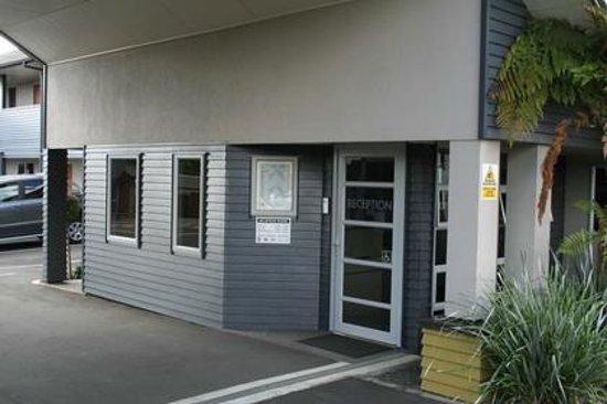 Aveda Motor Lodge: Entrance reception