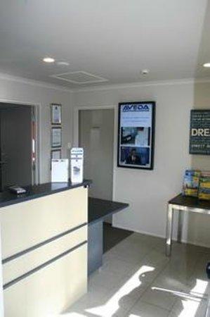 Aveda Motor Lodge: Reception