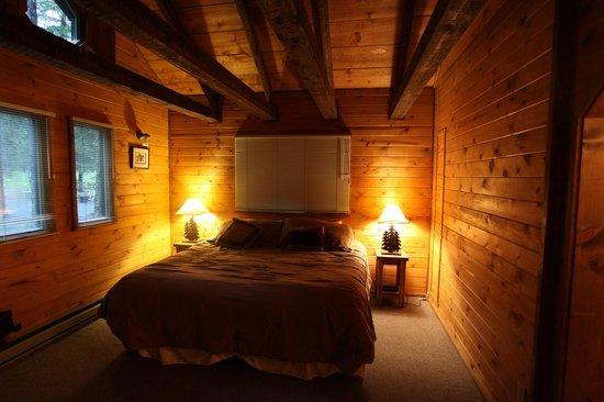 Abode Well Cabins : bedroom area