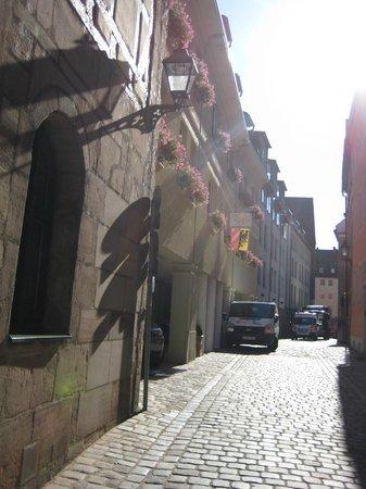 Hotel Agneshof: Tucked away location