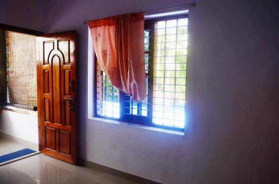 Kaithakuzhi : room