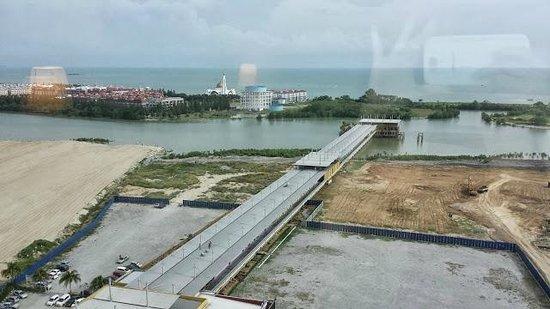 Holiday Inn Melaka: Strait view room
