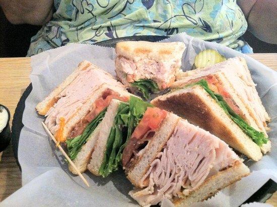 Crest Tavern: Turkey Club sandwich