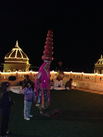 BRYS Fort: Roof top resturants nd Rajasthani dance