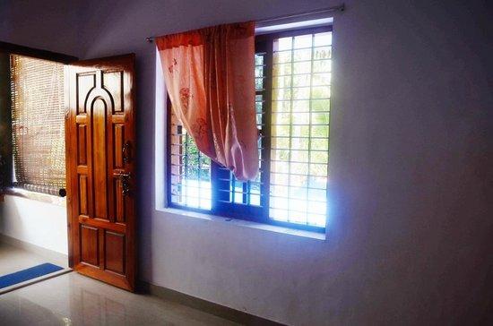 Kaithakuzhi : Room 2