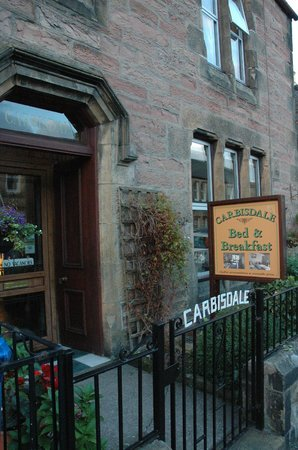 Carbisdale B & B: The front entrance to the Bed and Breakfast.