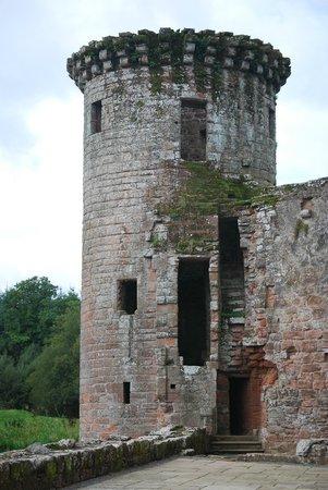 Maxwell Chauffeur Service - Day Tour: Murdoch Tower at Caerlaverock Castle
