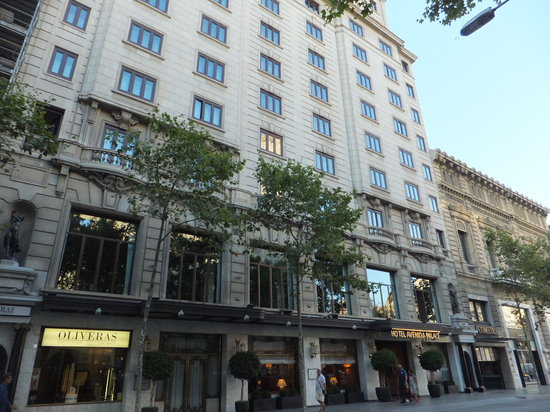 Hotel Avenida Palace: outside view of the hotel
