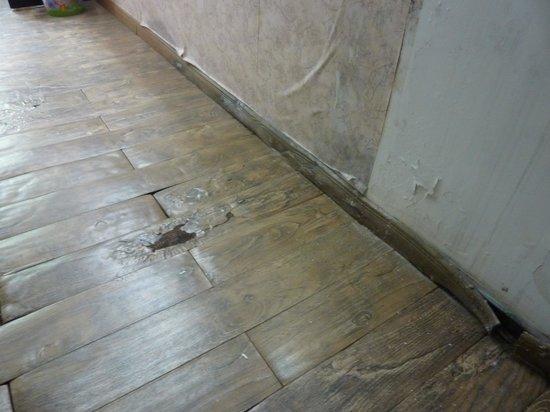 Ala Hotel: Der Boden kommt hoch