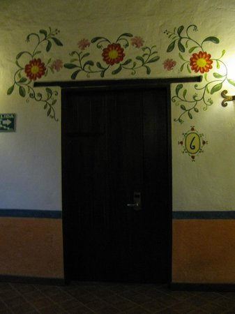 La Casona de la Ronda Heritage Boutique Hotel: Painting over the room doors