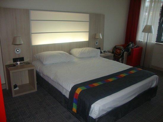Park Inn by Radisson Krakow : a cama é boa