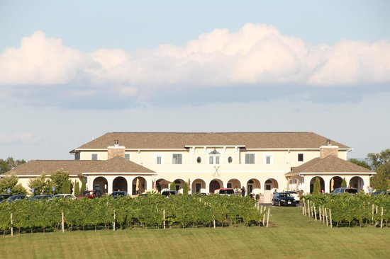 CrossKeys Vineyards: The winery 2