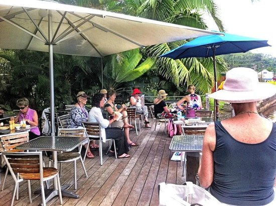 Daku Resort: Sketching at a local waterside cafe