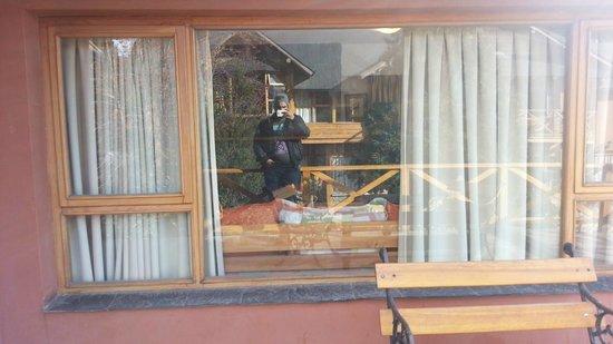 Apart Hotel del Arroyo: Varanda da cabana