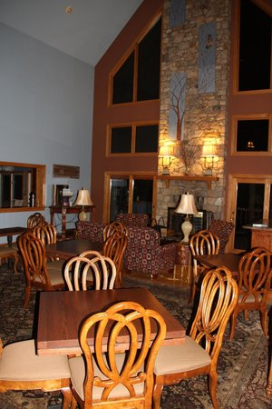 Iris Inn: Breakfast room