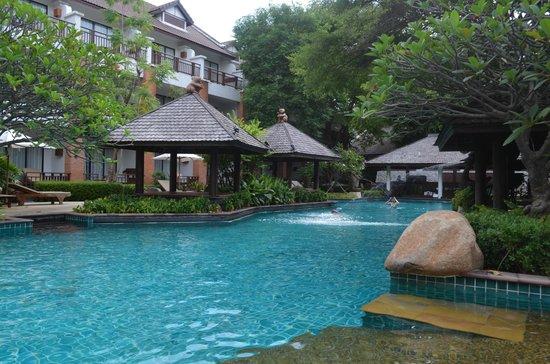 Woodlands Hotel & Resort: Первый бассейн
