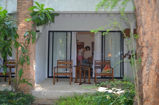 Woodlands Hotel & Resort: балкон первого этажа