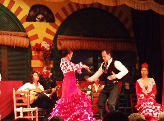 El Palacio Andaluz: Casal dançando flamenco
