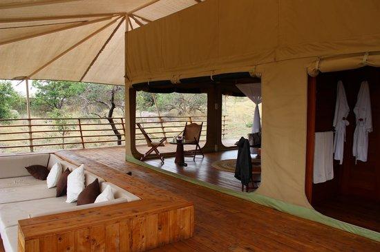 Serengeti Bushtops Camp: Luxury Tent