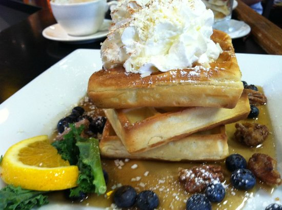 Bella's Cafe: Waffles