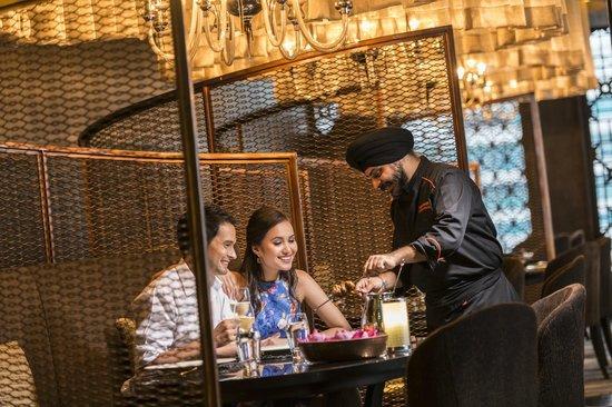 Maya Restaurant and Bar: Maya Dining