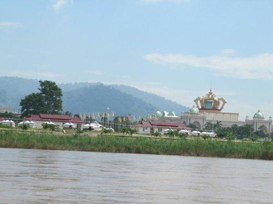 Sop Ruak - the center of the Golden Triangle : Kasino Laoseite