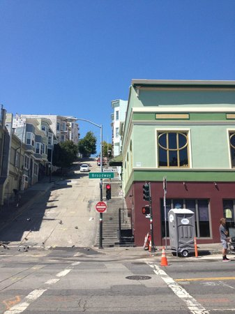 Green Tortoise Hostel - San Francisco: View of Green Tortoise on Broadway (stairs to the left take you up to the tower)