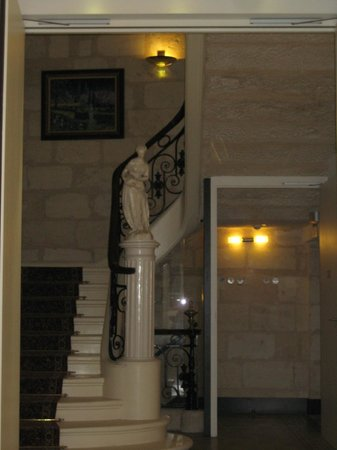 BEST WESTERN Grand Hotel Francais: Stairs