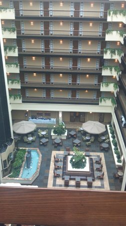 Embassy Suites by Hilton Columbus: Look at lower atrium
