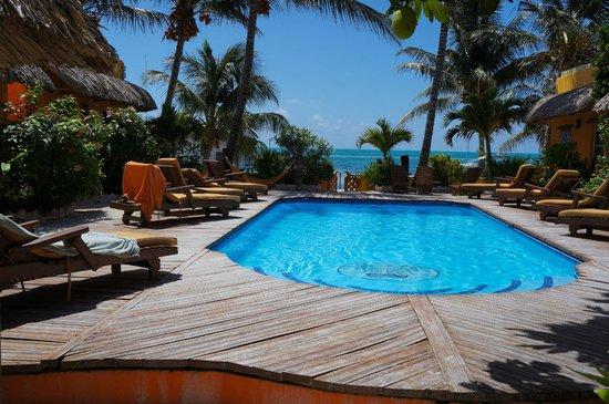 Seaside Cabanas: Pool