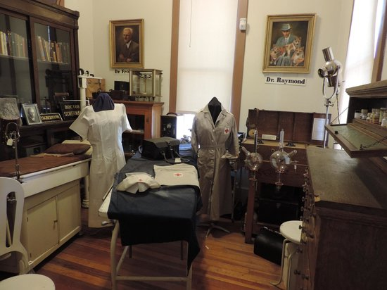 Pioneer Museum: First floor, medical display