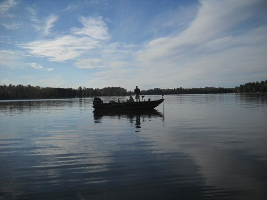 Cedaroma Lodge: Fishing is popular on Little St. Germain Lake from your boat or ours.